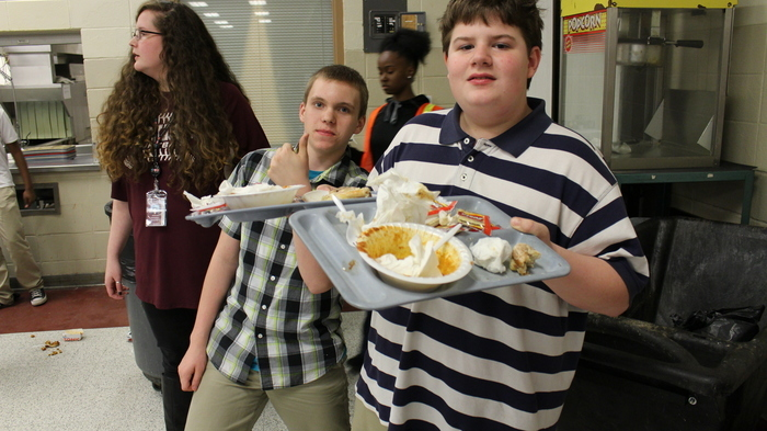 Large_njhs_students_serving_at_family_night_02